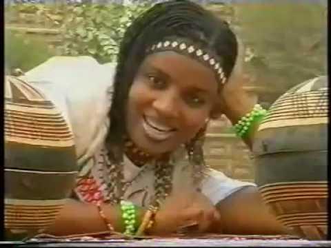 watta yarinya hausa Songs