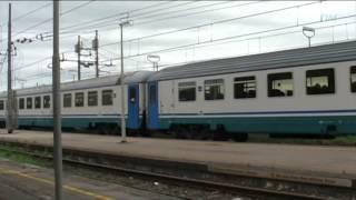 preview picture of video 'Treni in transito a Montepescali e Follonica, 29/04/14'