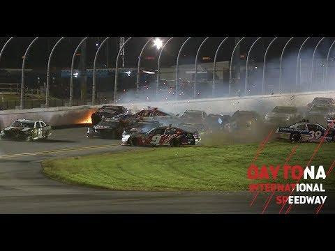 Big wreck strikes late in Xfinity race at Daytona