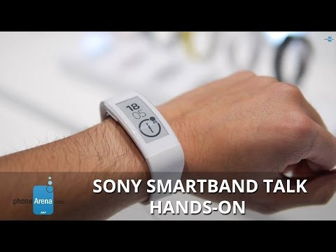 Sony SmartBand Talk hands-on