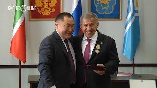 Рустам Минниханов награжден орденом Республики Тыва