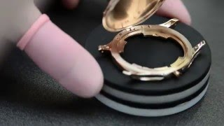 Patek Philippe: Case with invisible hinge