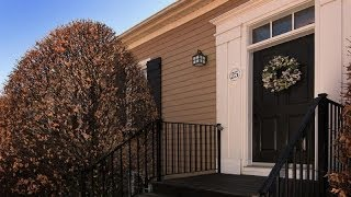 preview picture of video 'Easy Village Living in Niagara On The Lake, Ontario, Canada'