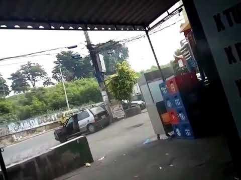 В Бразилии девушка снимала бандитскую перестрелку и получила пулю