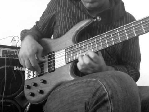 Bass guitar chords and improvisation