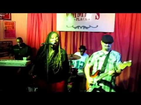 ANNIKA CHAMBERS AND THE HOUSE RULES BAND