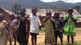 preview picture of video 'Местные жители одной из Конголезских деревень / Local people one of the Congolese villages'