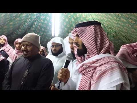 سعد الحارثي يلقِّن الشهادتين لـ30 فلبينياً اعتنقوا الإسلام بالرياض
