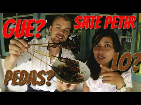 Video FVlog #4 Makan Sate Petir Level Pedas di Jogja | #BuleKulineran
