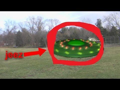 UFO LANDING CAUGHT ON TAPE! OPEN UR EYES, ALIENS EXIST