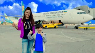Den and mom fly to the sea. Vacation in Dubai. Family fun video for kids!
