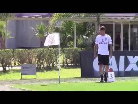 Sob forte sol, Guerrero retorna aos treinos