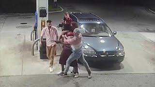 Spring Breakers Fight Florida Man Who Tried to Rob Them
