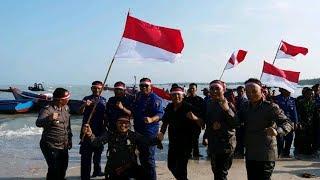 Kegembiraan TNI/Polri Rayakan Kemerdekaan RI di Pantai Rebo