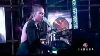 Alicia Keys   Distance And Time (Live)