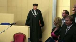 preview picture of video 'Petr Ulč - Ukončení bakalářské části studia na Západočeské univerzitě - červenec 2011'