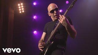 Joe Satriani - One Robot's Dream (from Satriani LIVE!)