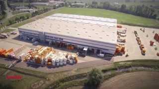 Zentral in Möckern bei Magdeburg gelegen, wickelt die Heinz von Heiden GmbH Bauleistungszentrum (BLZ) die gesamte Logistik für die bundesweit laufenden Neubauvorhaben der Heinz von Heiden GmbH Massivhäuser ab.