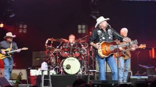 """Alan Jackson: keeping it country """"Country boy"""""""