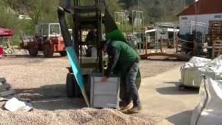 preview picture of video 'PVC Teichfolie im Test, Teichfolien Verarbeitung'