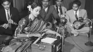 Geeta Dutt : Main jhoom jhoom kar gaati hoon : Film - Mala the