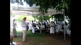 preview picture of video 'Fête de la Vie Consacrée au Carmel des Avirons - La Réunion'