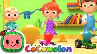 Toy Balloon Car Race | Cocomelon (ABCkidTV) Nursery Rhymes & Kids Songs