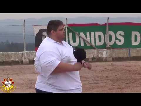 Técnico do Só Amigos Futebol Clube de Juquitiba Marcelão Machado se emociona na partida que levou a equipe para a 1ª Divisão de Juquitiba