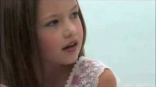 Ренесми Каллен, Renesmee Cullen | Mackenzie Foy | Black & Gold