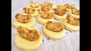 Папа готовит! Кладем яблоки дольками прямо в тесто. Будет очень вкусно!
