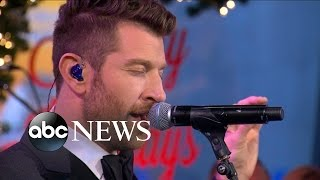 Brett Eldredge Performs 'Have Yourself a Merry Little Christmas' Live on 'GMA'
