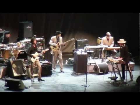 Thunder On The Mountain - Bob Dylan - Berlin 29.10.2011