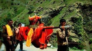 Pilgrims trekking to Yamunotri Temple
