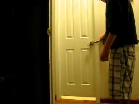 locking my sister in the bathroom.AVI