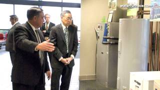 Secretary Chu promotes geothermal program at WaterFurnace