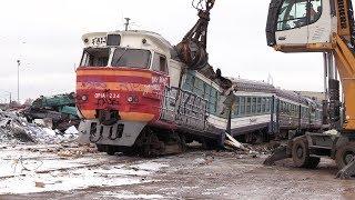 Слом моторного вагона дизель-поезда ДР1А-224 1 / Scrapping of DR1A-224 DMU motor car 1