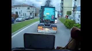 preview picture of video 'Catalonia Truck Photos | Desfile IV Torello Motor Fest'