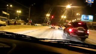 Торможение двигателем с горки на скользкой дороге