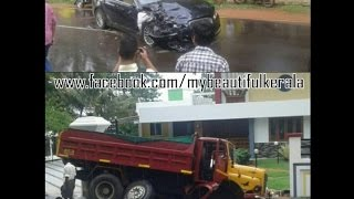 KERALA NEWS : JAGUAR TIPPER TRUCK ACCIDENT IN KERALA | JAGUAR VS TIPPER