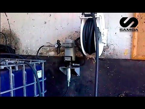 Bomba neumática SAMOA PM45 de aceite 6:1 en talleres de mantenimiento