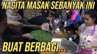 SEKANTOR HEBOH MASAK NASI GORENG 1 WAJAN RAKSASA!! BUAT DIBAGI-BAGIIN!!