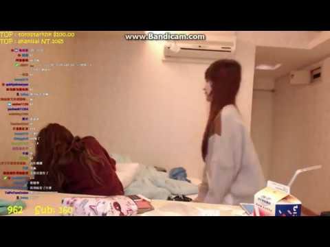 【薇薇實況】跟 瑀熙Yuci 打枕頭戰XD