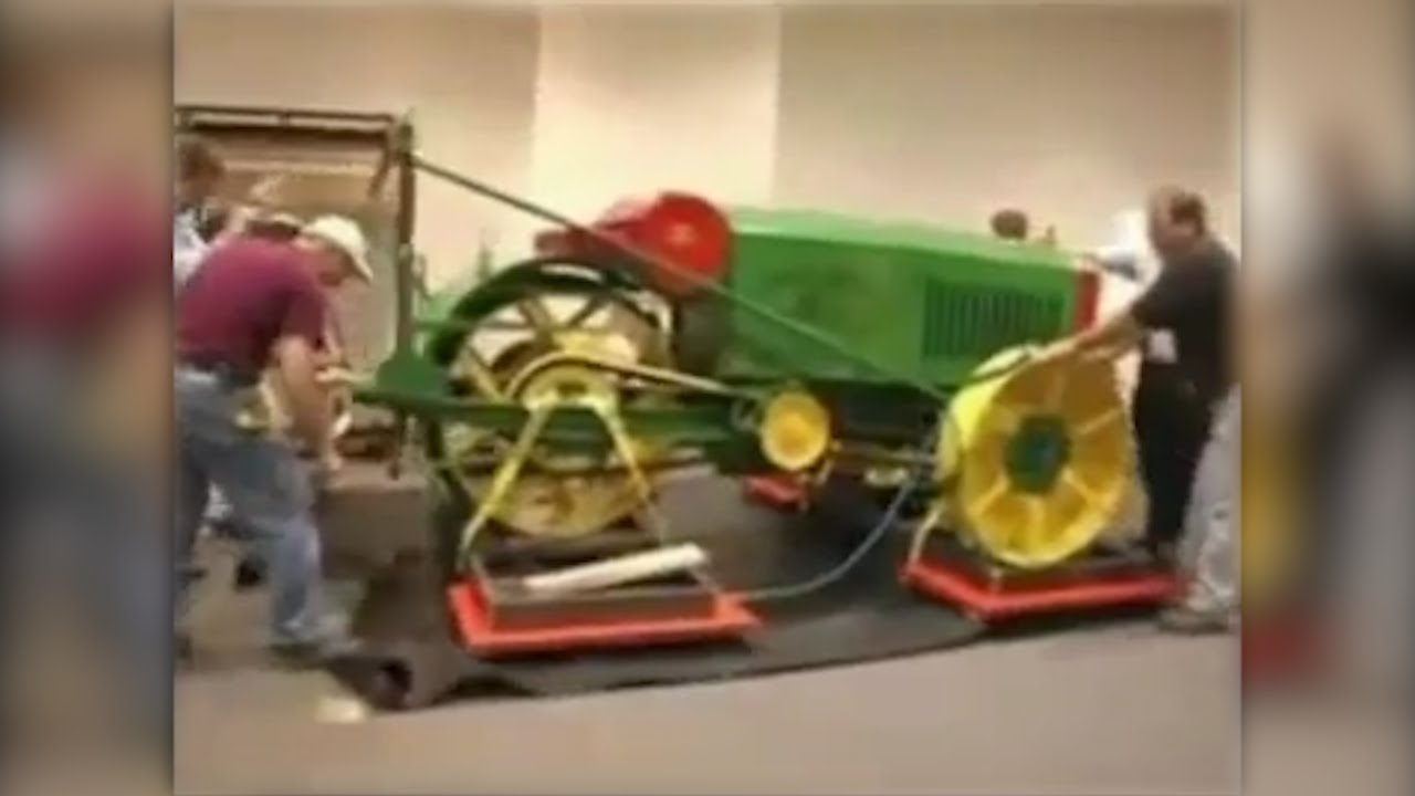 Moving John Deere 1918 with air skid