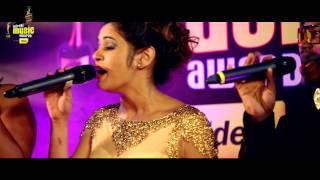 Shalmali Kholgade Sings Lat Lag Gayi In A Cappella Style At MMAwards Red Carpet