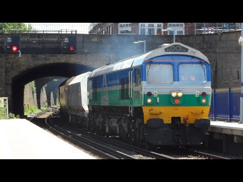 Aggregate Industries 59002 powers through Gravesend 1st June…