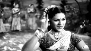 Lajwanti - Aaja Chhaye Kaare Badra - Geeta Dutt & Chorus