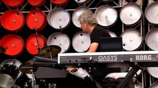 """Genesis   """"Land Of Confusion"""" (Live Earth, Wembley 2007) HD"""