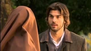 Gonzalo y María - Martín entrega a María la solicitud de nu
