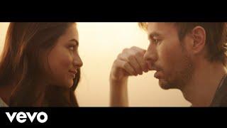 Kadr z teledysku Pendejo tekst piosenki Enrique Iglesias