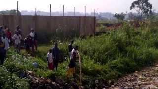 preview picture of video 'L'inondation du 1er mars 2013 au carrefour MEEC à Yaoundé'